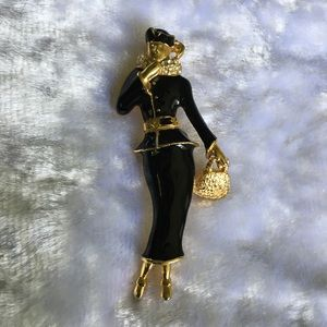 ☘️VTG Lady Haute Couture Brooch☘️